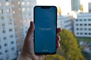 Обзор Honor Play 4/64GB